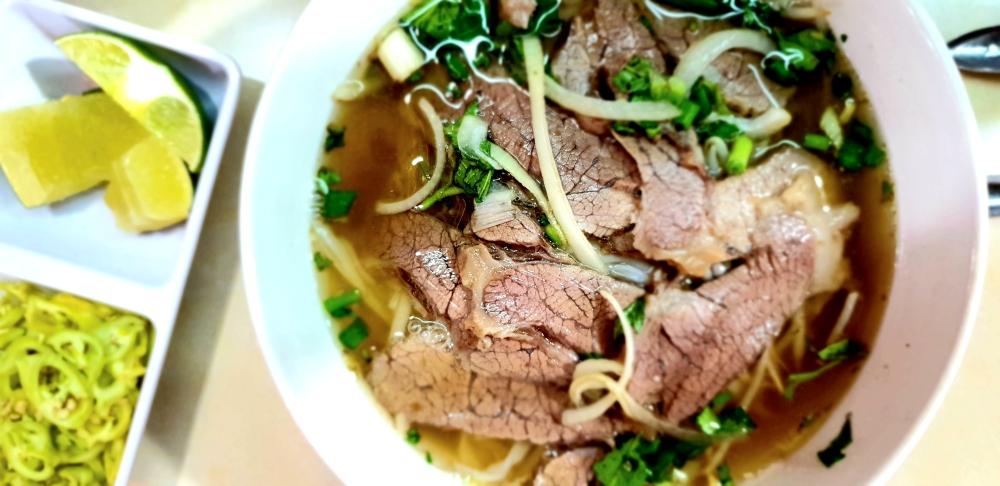 street food vietnam, beef soup