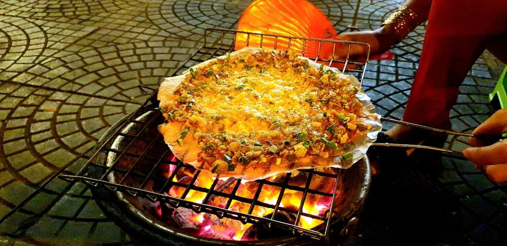 street food vietnam, local pizza
