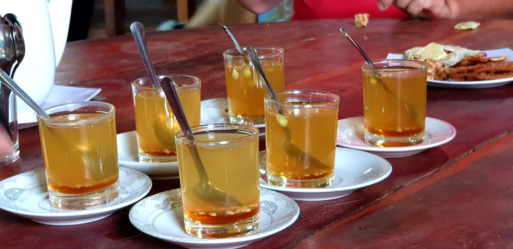 street food vietnam, honey tea
