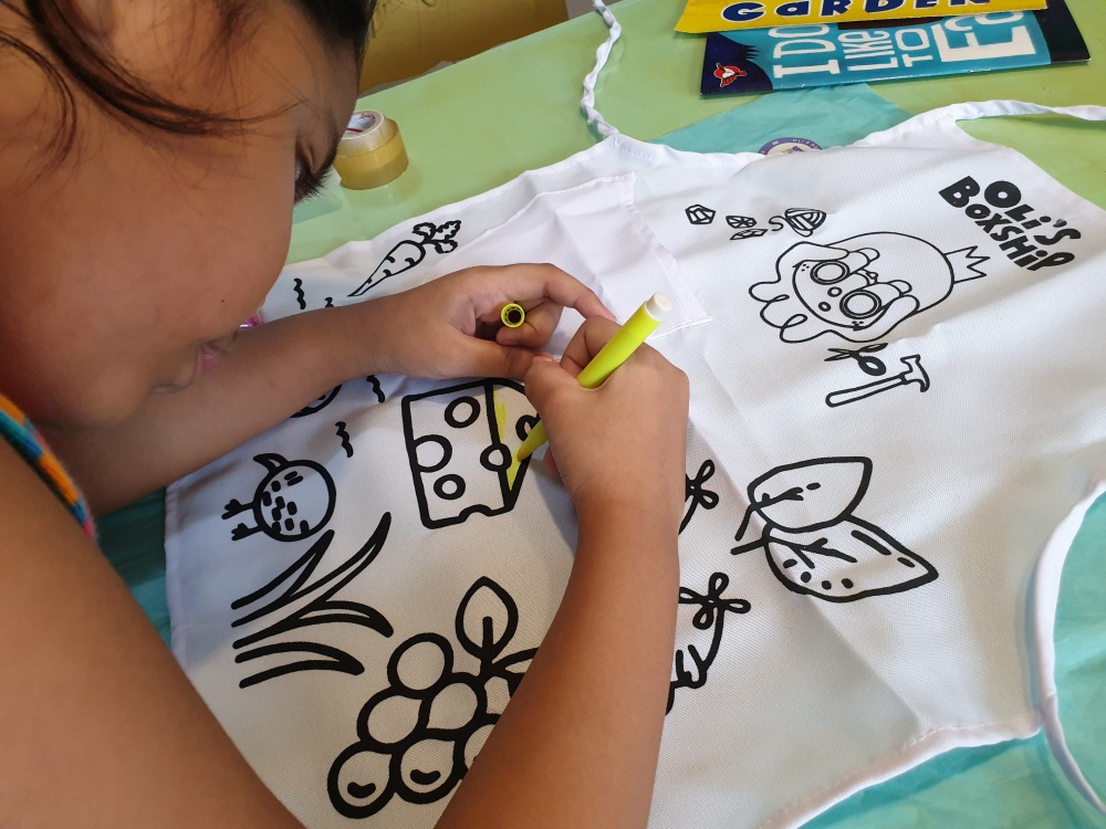 apron coloring